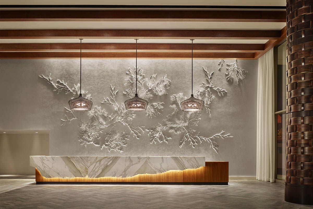 Alohilani_Gallery_Resort-Front-Desk-Reception-2